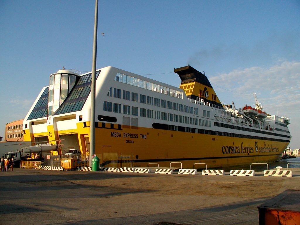 {0B671D89-AF8A-42FD-8703-AA634D3C18C7}-Trajekt Corsica Ferries (2)